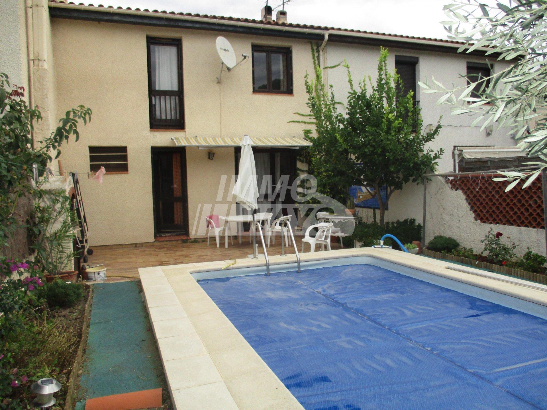 Vente Maison / Villa Saint-Estève - 4 pièces - 95 m²