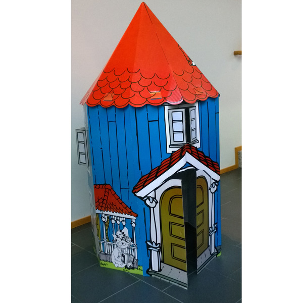 Large assemblable Moominhouse