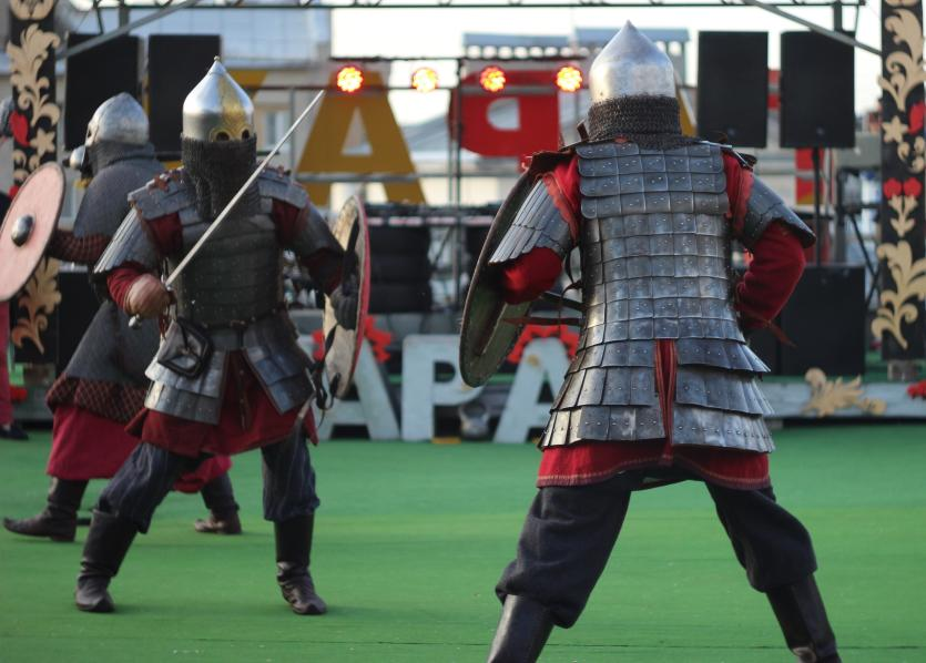 slavic knights fighting.jpg