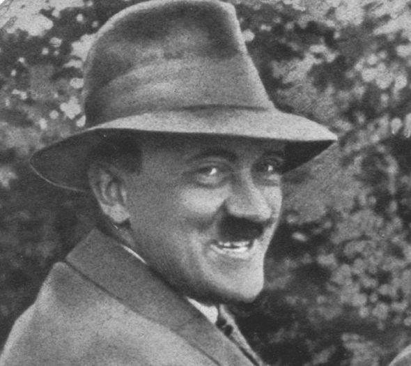 Hitler-stupid-smiling-276417.jpg