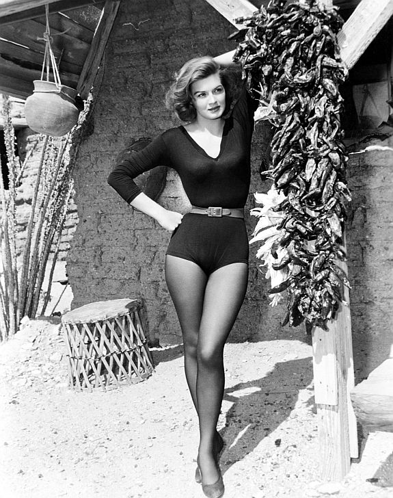 Angie Dickinson in Rio Bravo
