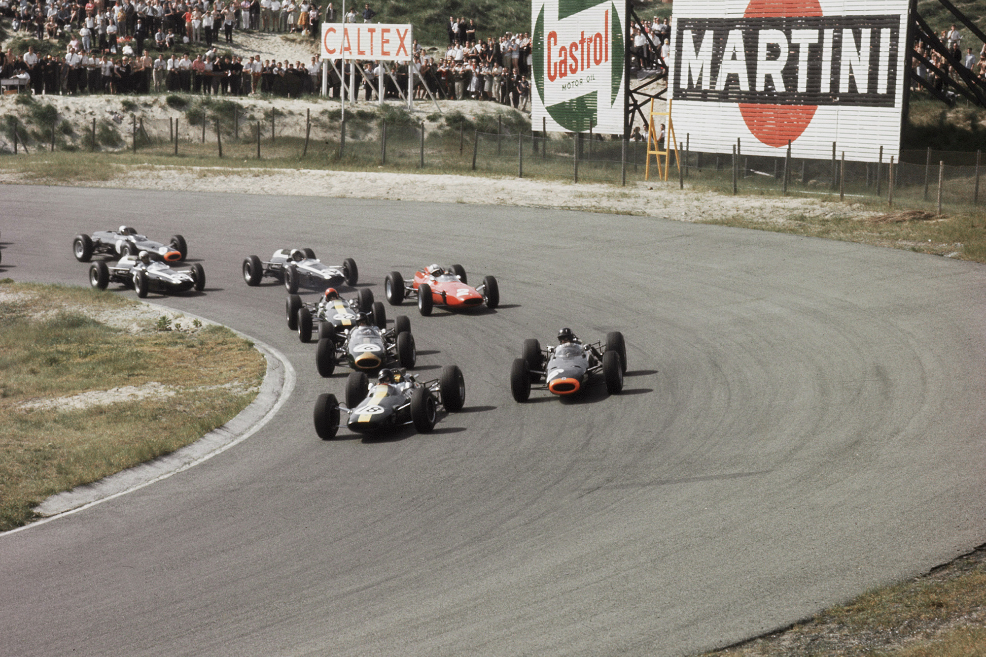 Jim Clark leads the field.