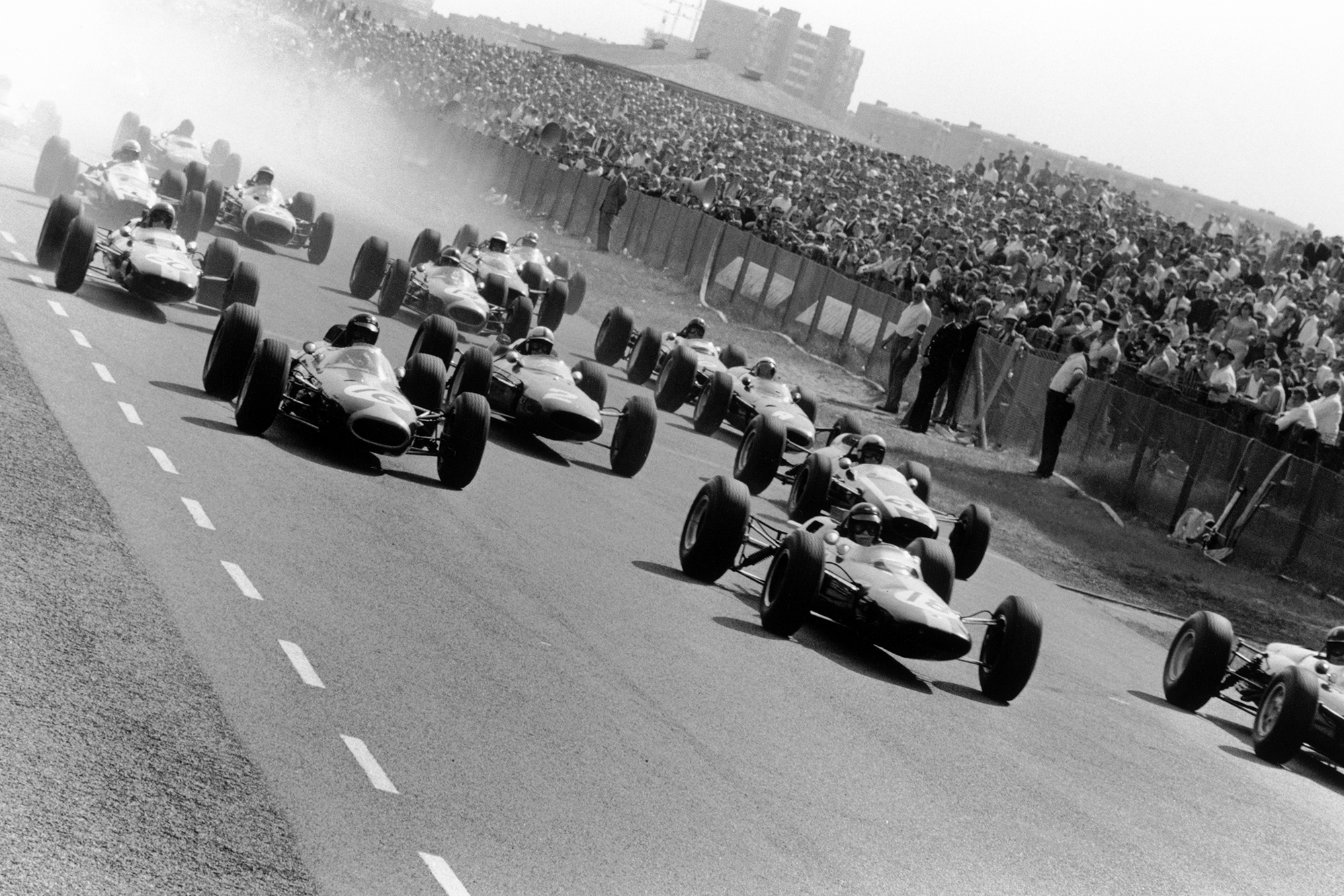 The field scrambles away at Zandvoort.
