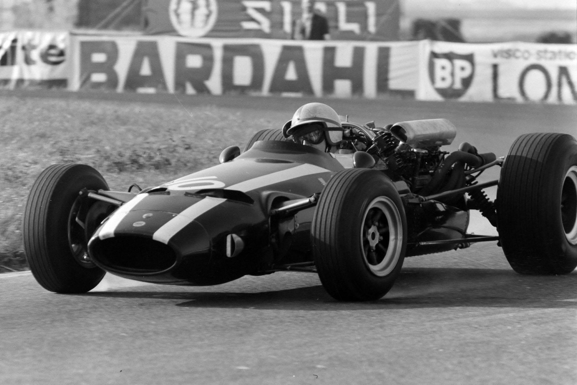 John Surtees, Cooper T81 Maserati.