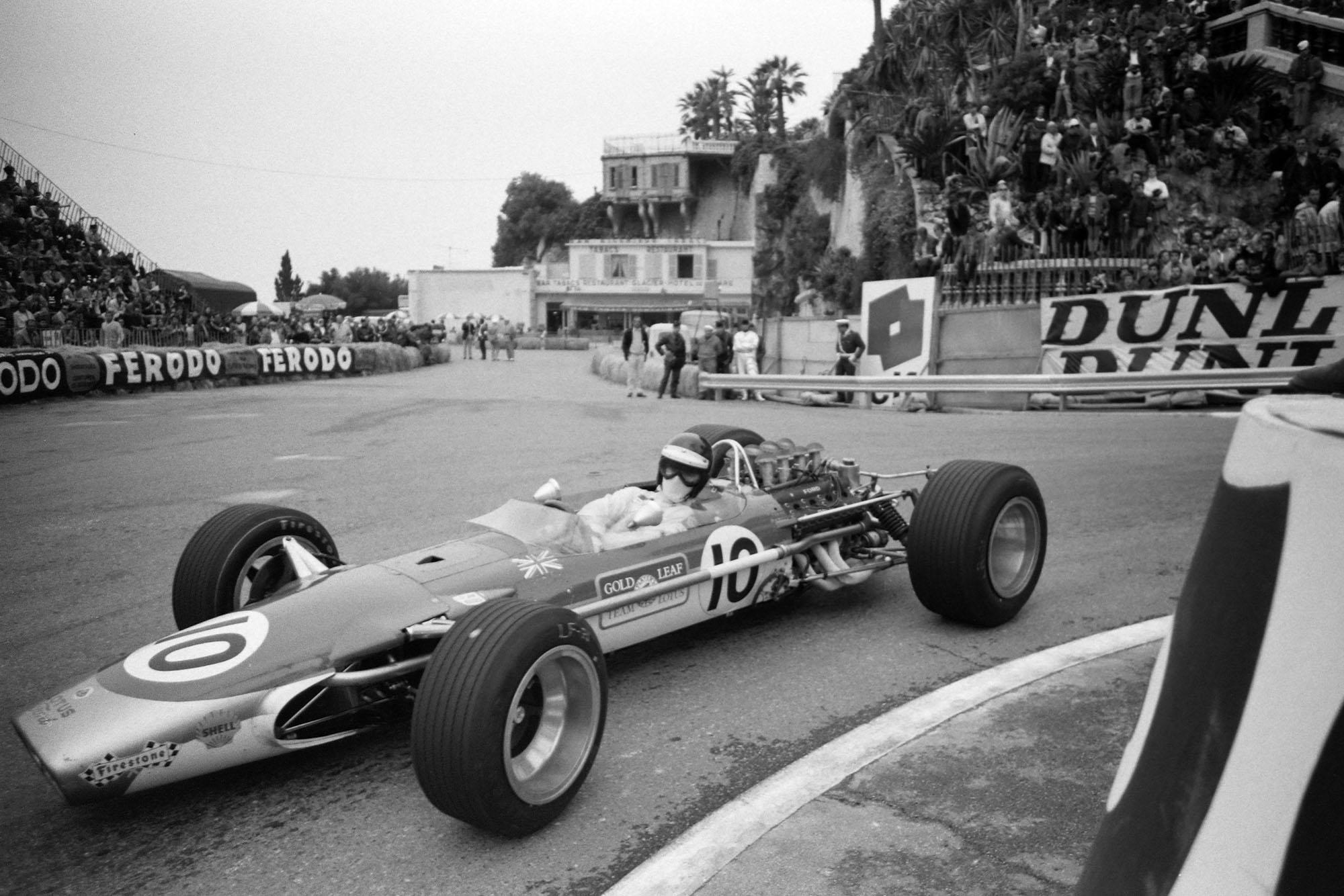 Jackie Oliver, Lotus 49 Ford.