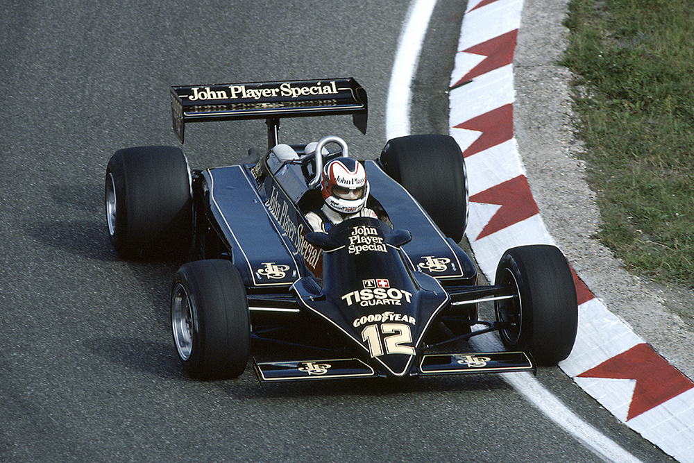 Nigel Mansell in a Lotus 87-Ford Cosworth.