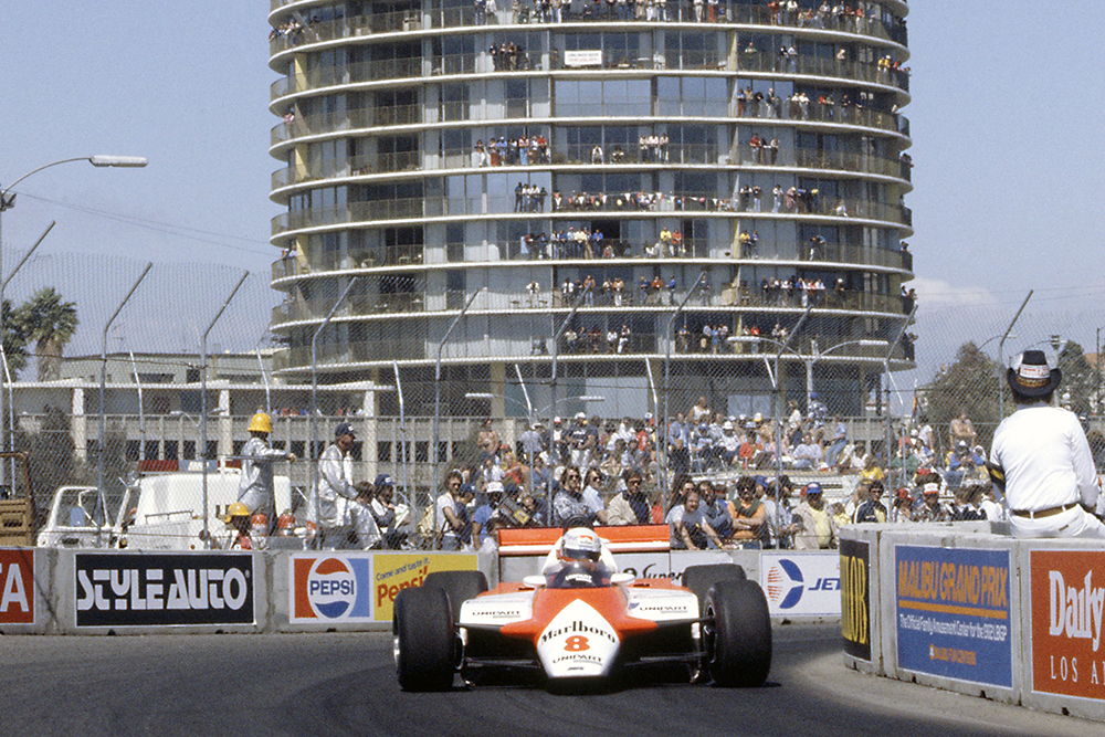 Niki Lauda (McLaren MP4/1B-Ford Cosworth), in 1st position.