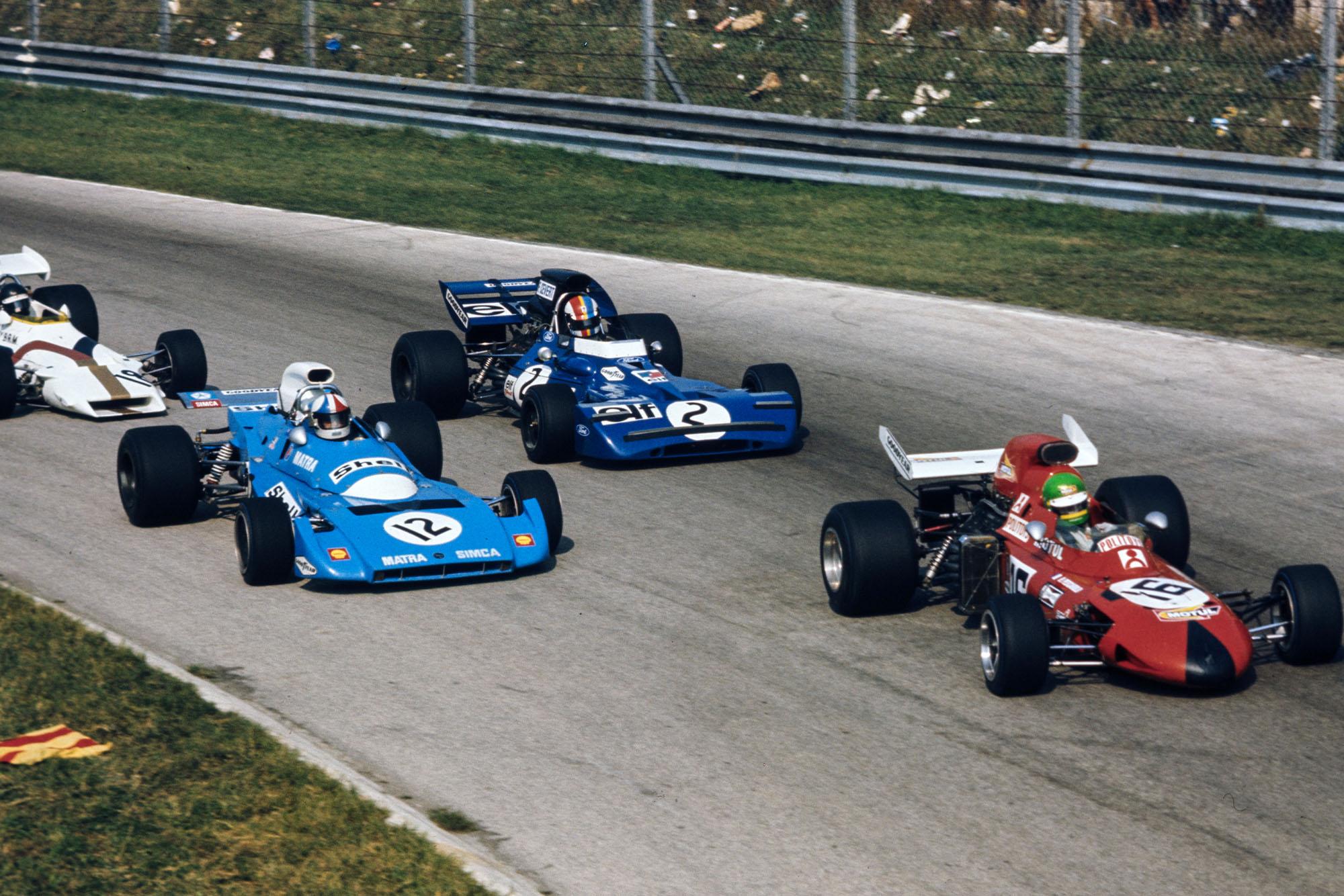 Henri Pescarolo leads the field into Curva Sud.