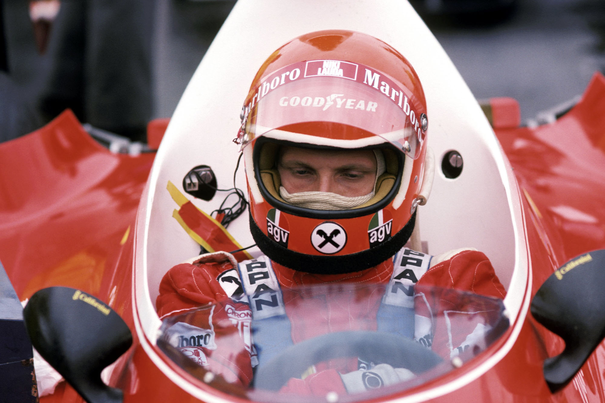 Niki Lauda sits in his Ferrari at the 1975 Dutch Grand Prix, Zandvoort.