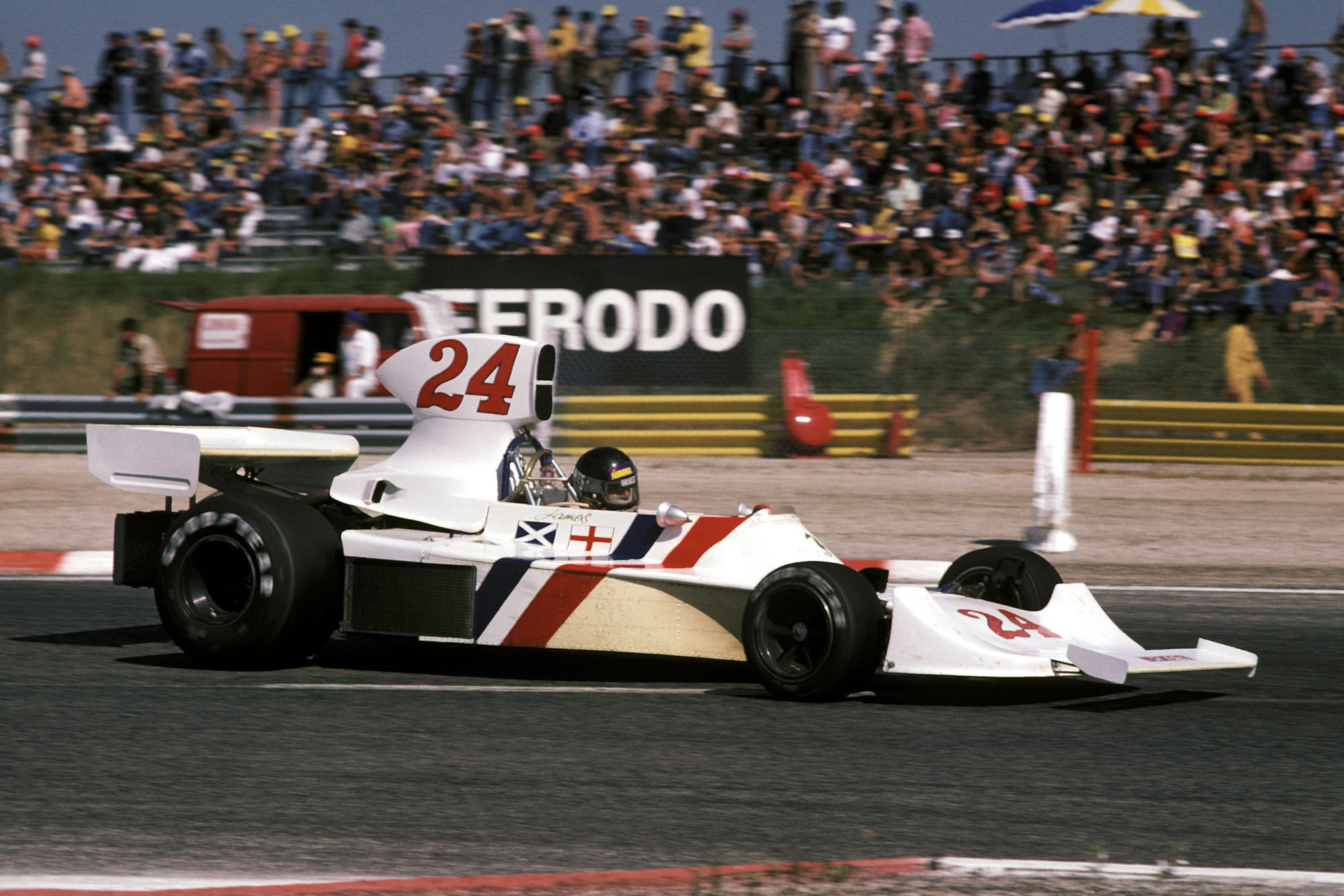 James Hunt racing his Hesketh at the 1975 French Grand Prix, Paul Ricard.