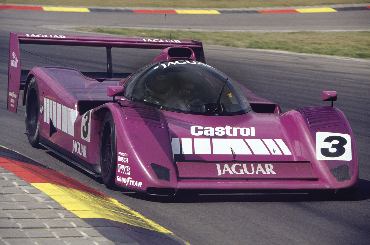 1991_WSC_Ring_BrabhamWarwickLAT_01-copy