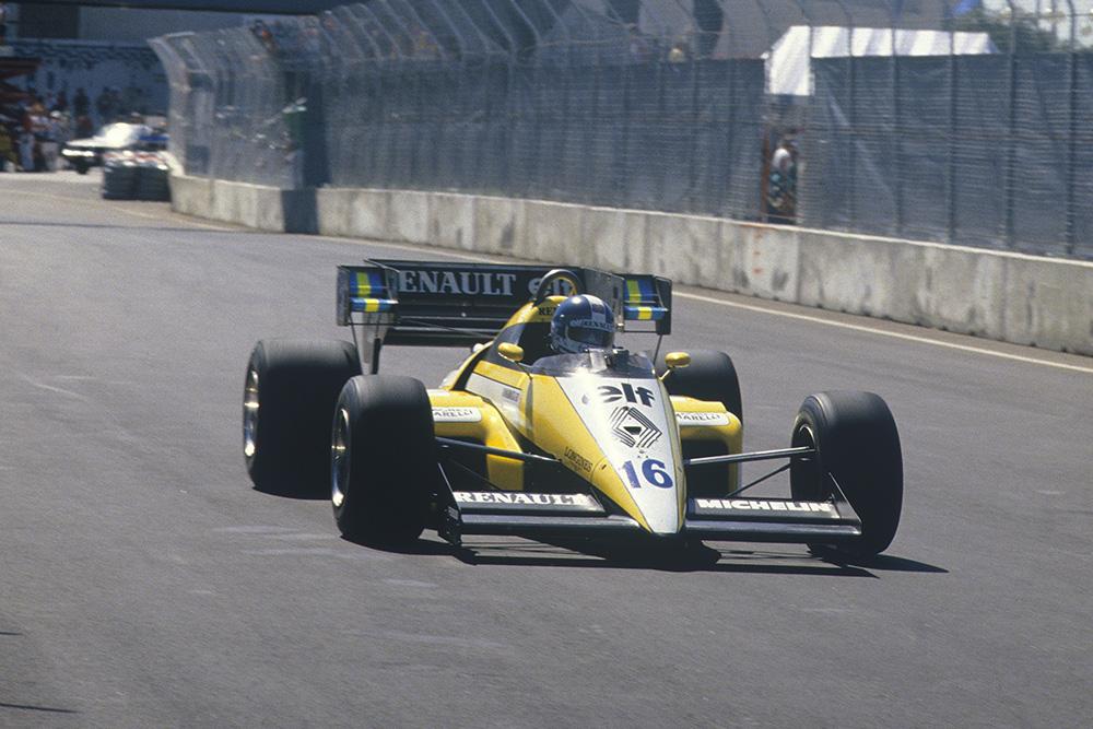 Derek Warwick retired in his Renault RE50.