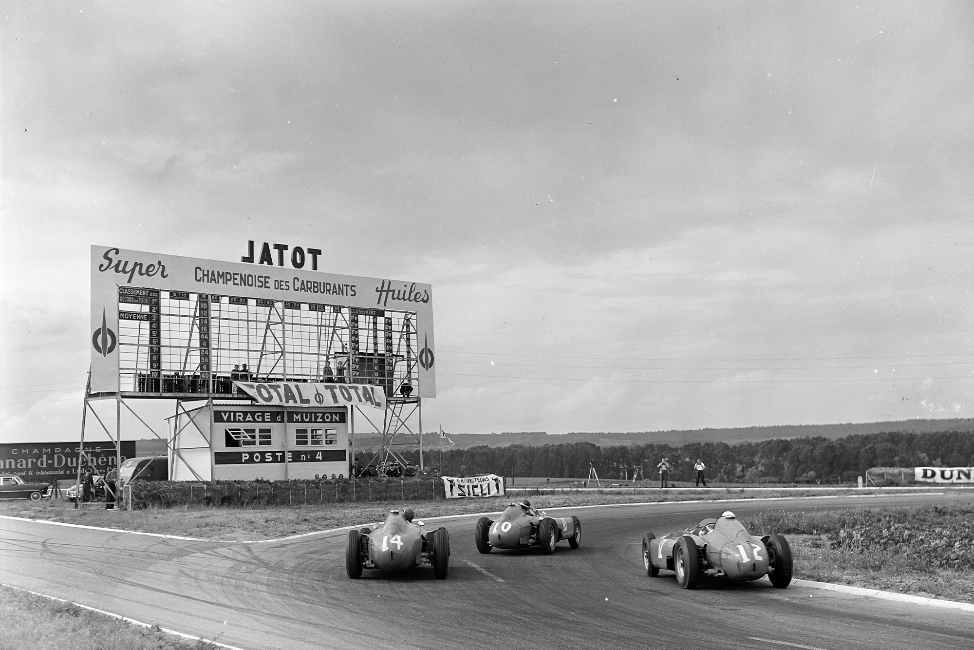 The Ferraris battle on