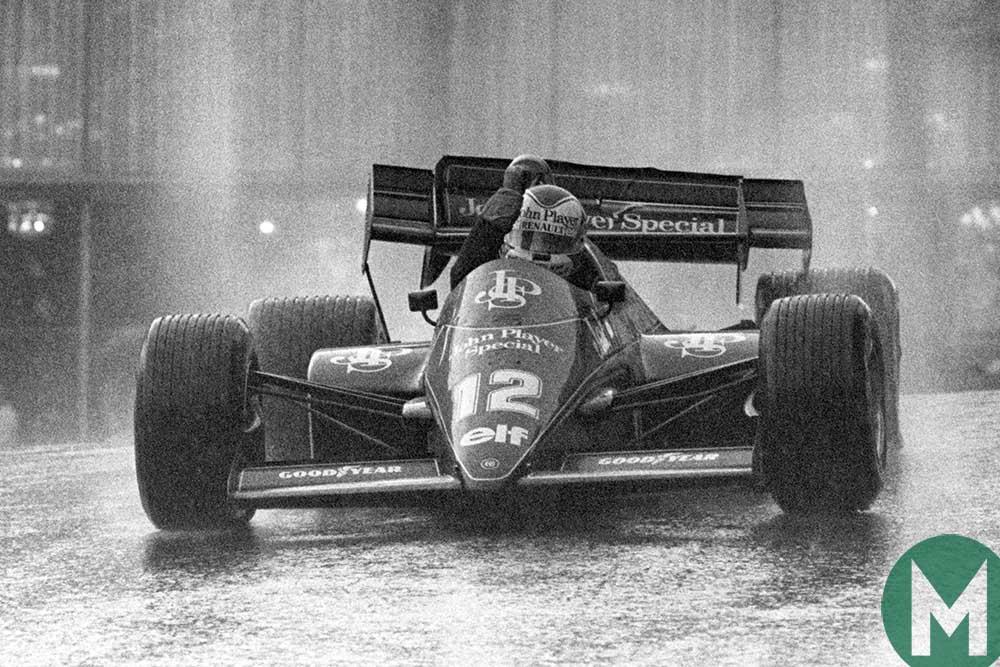 Nigel Mansell drives his damaged Lotus back to the pits at 1984 Monaco Grand Prix