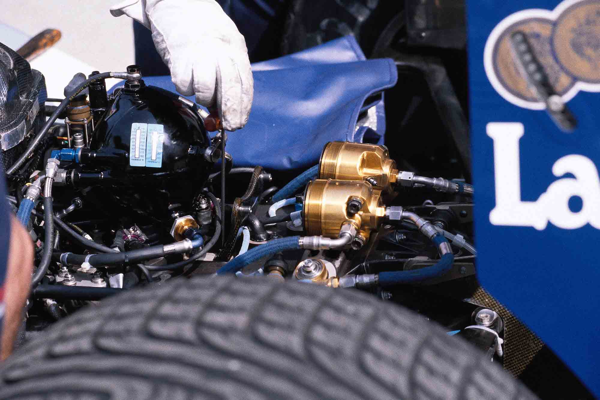 Close up detail of the 1992 Williams FW14B's rear active suspension