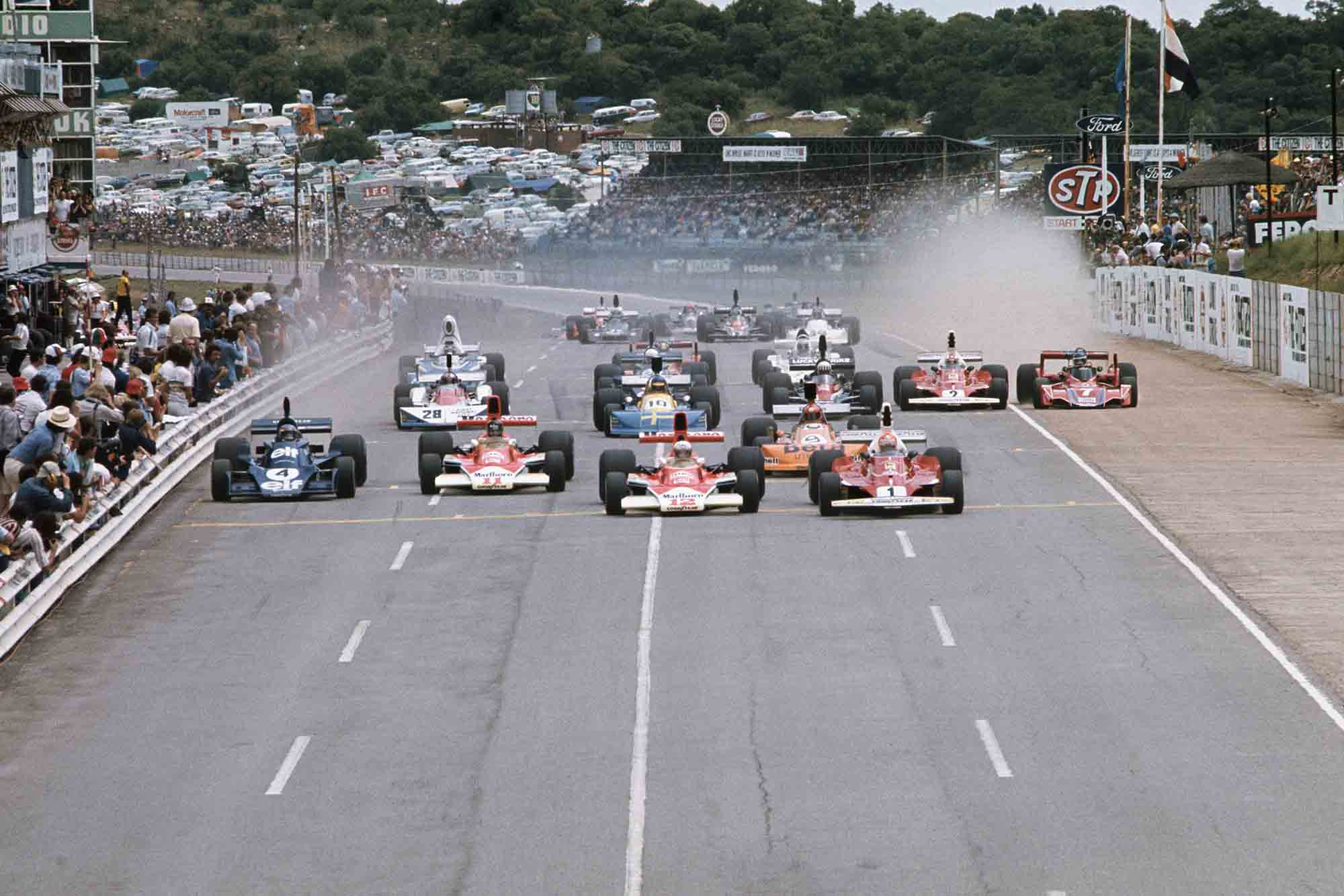 Niki Lauda's Ferrari leads the field at 1976 South African Grand Prix
