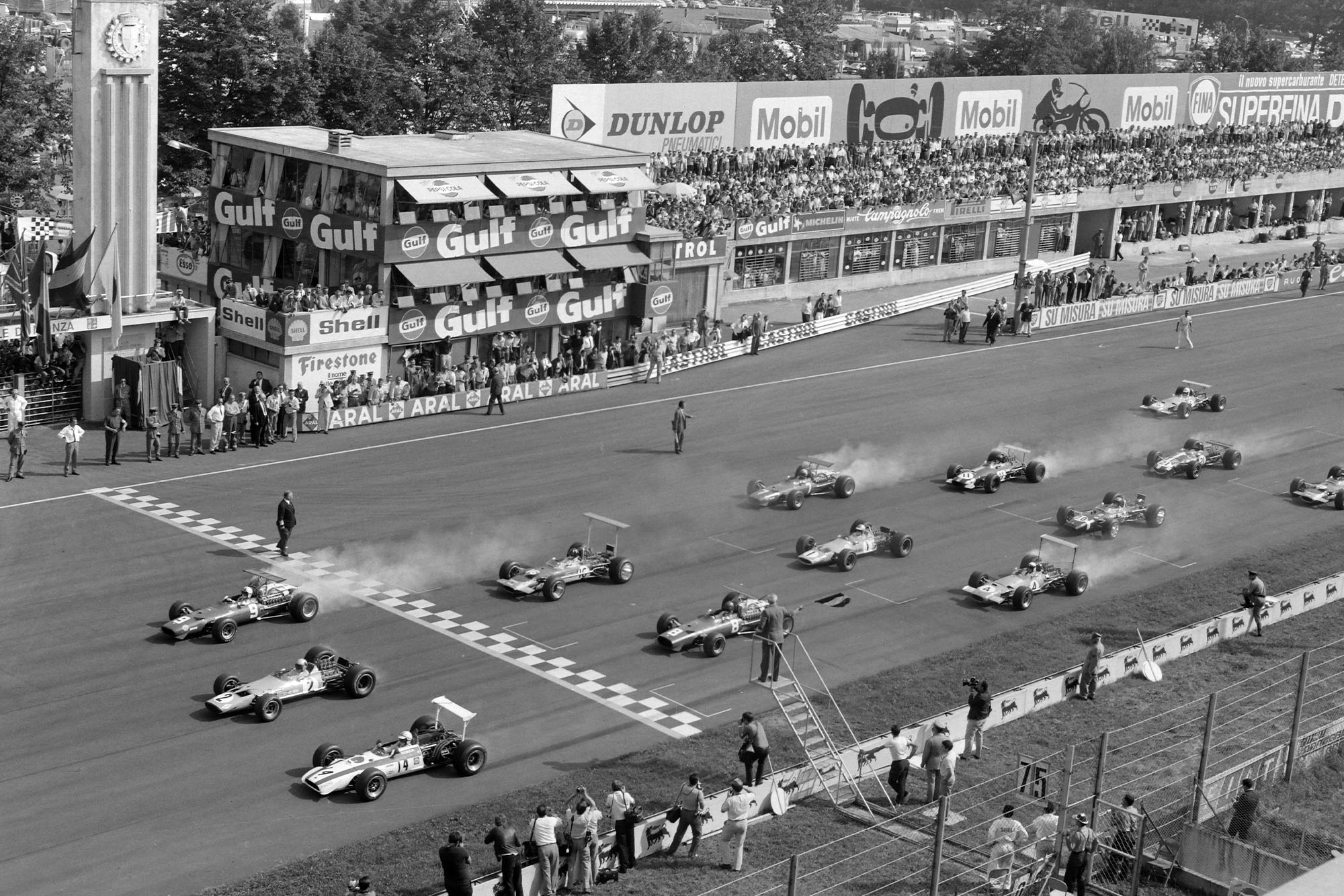 Cars pull away at the 1968 Italian Grand Prix