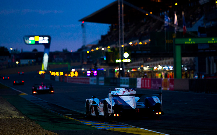 Toyota vs Nissan at Le Mans