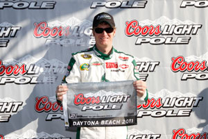 Earnhardt Jr on pole at Daytona