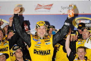 Kenseth wins Daytona 500