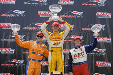 Hunter-Reay takes championship lead