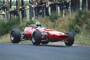 Lola unveils F1 bid for 2010
