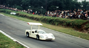 Phil Hill and the Chaparral 2F