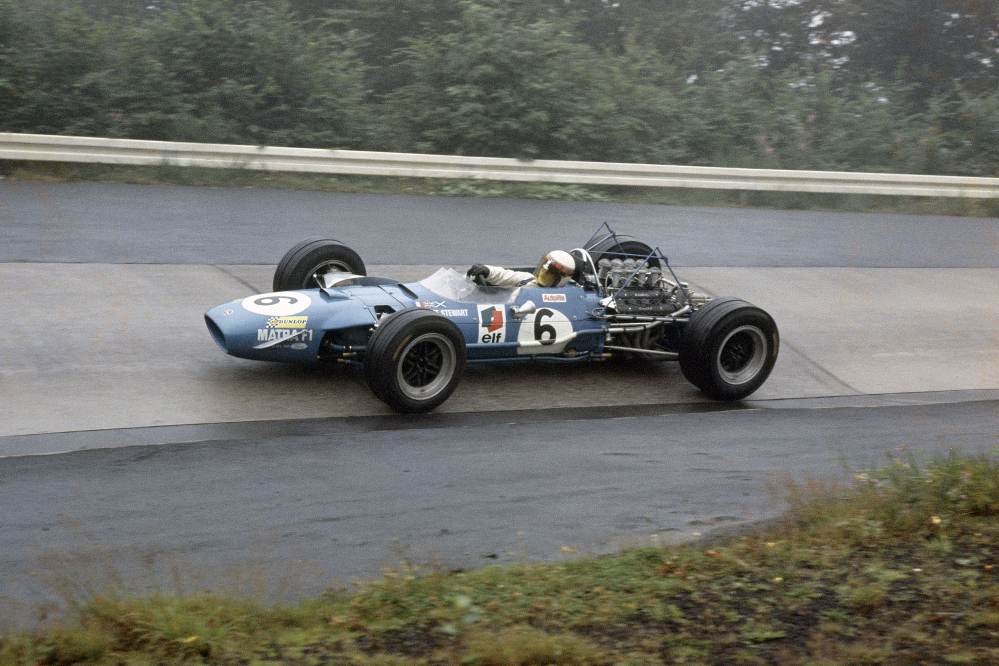 Jackie Stewart (Matra MS10-Ford Cosworth)
