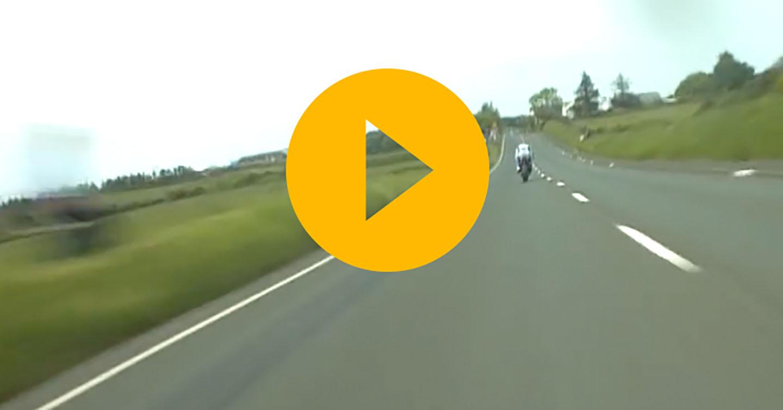John McGuinness chases Ian Hutchinson