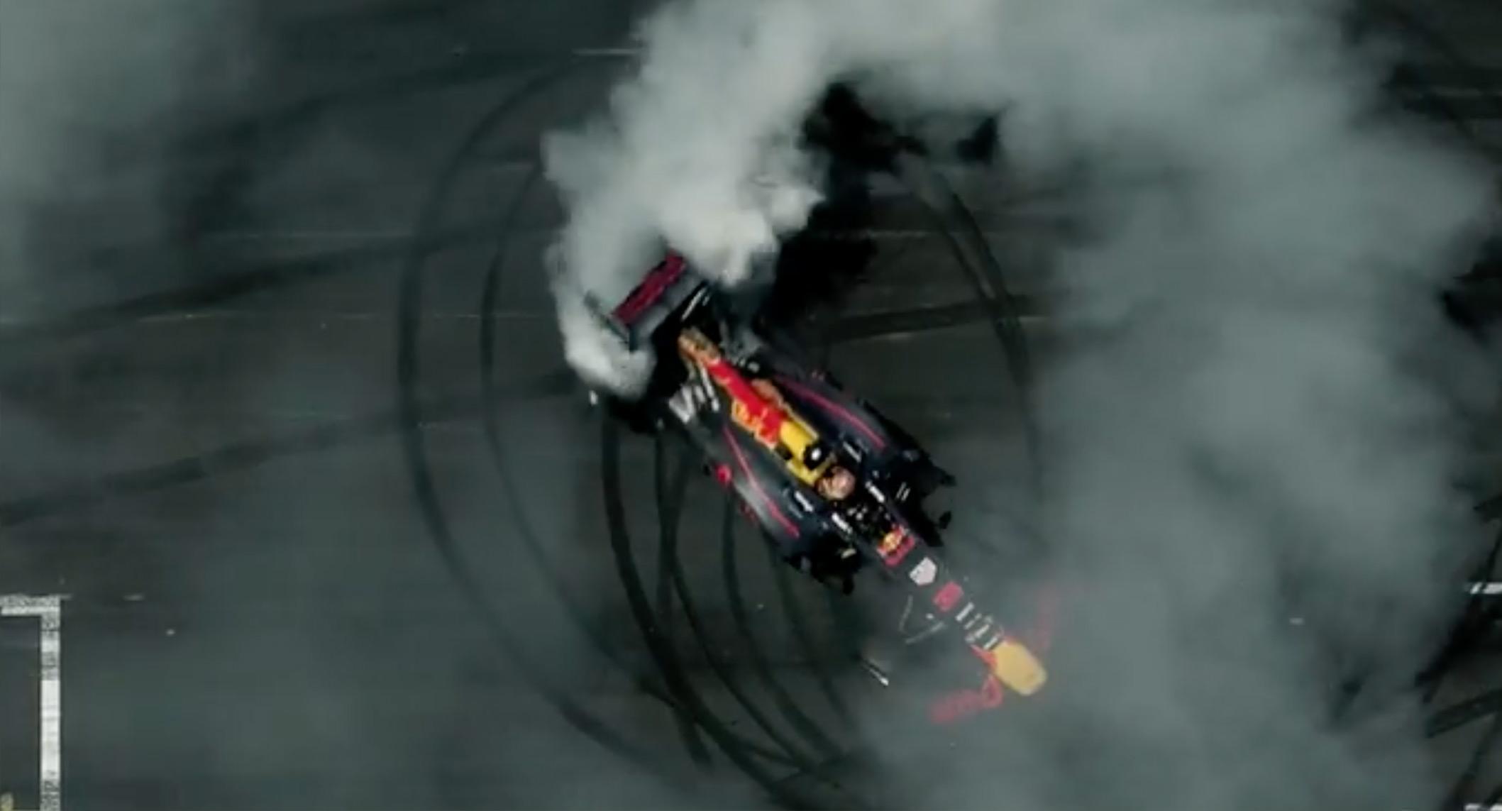 Verstappen smashes Zandvoort lap record
