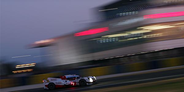 Kobayashi smashes Le Mans lap record