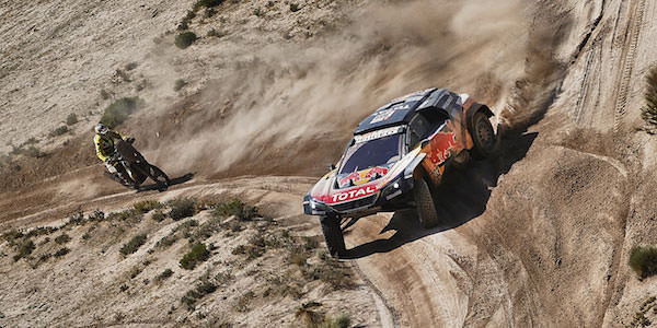 Sainz threatened with legal action after Dakar run-in