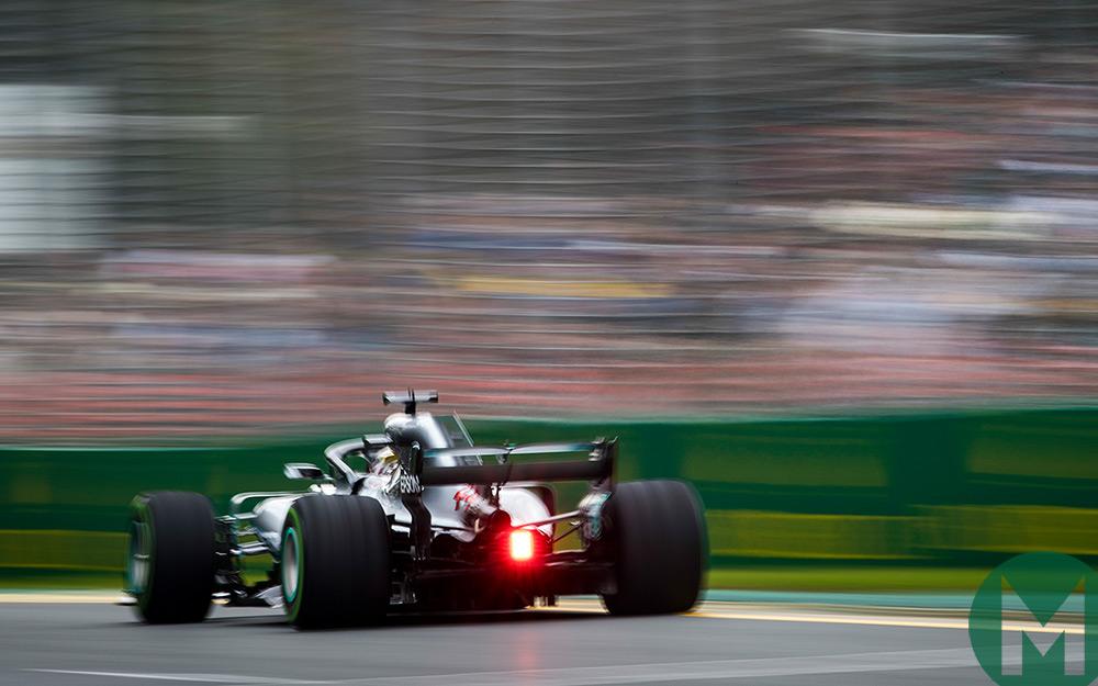 Hamilton claims 2018 Australian Grand Prix pole