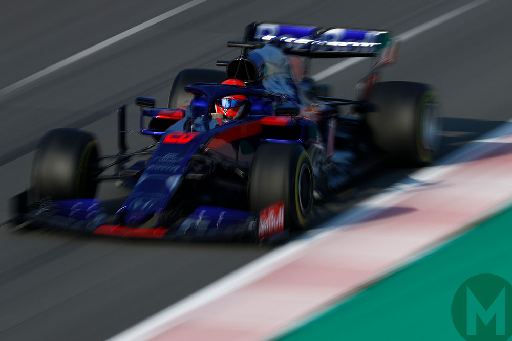 Late surge gives Kvyat fastest time in F1 testing day 3