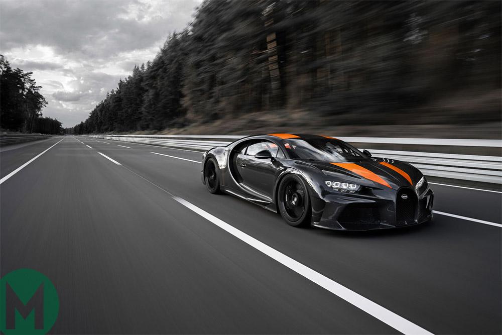 Video: Bugatti Chiron breaks 300mph barrier