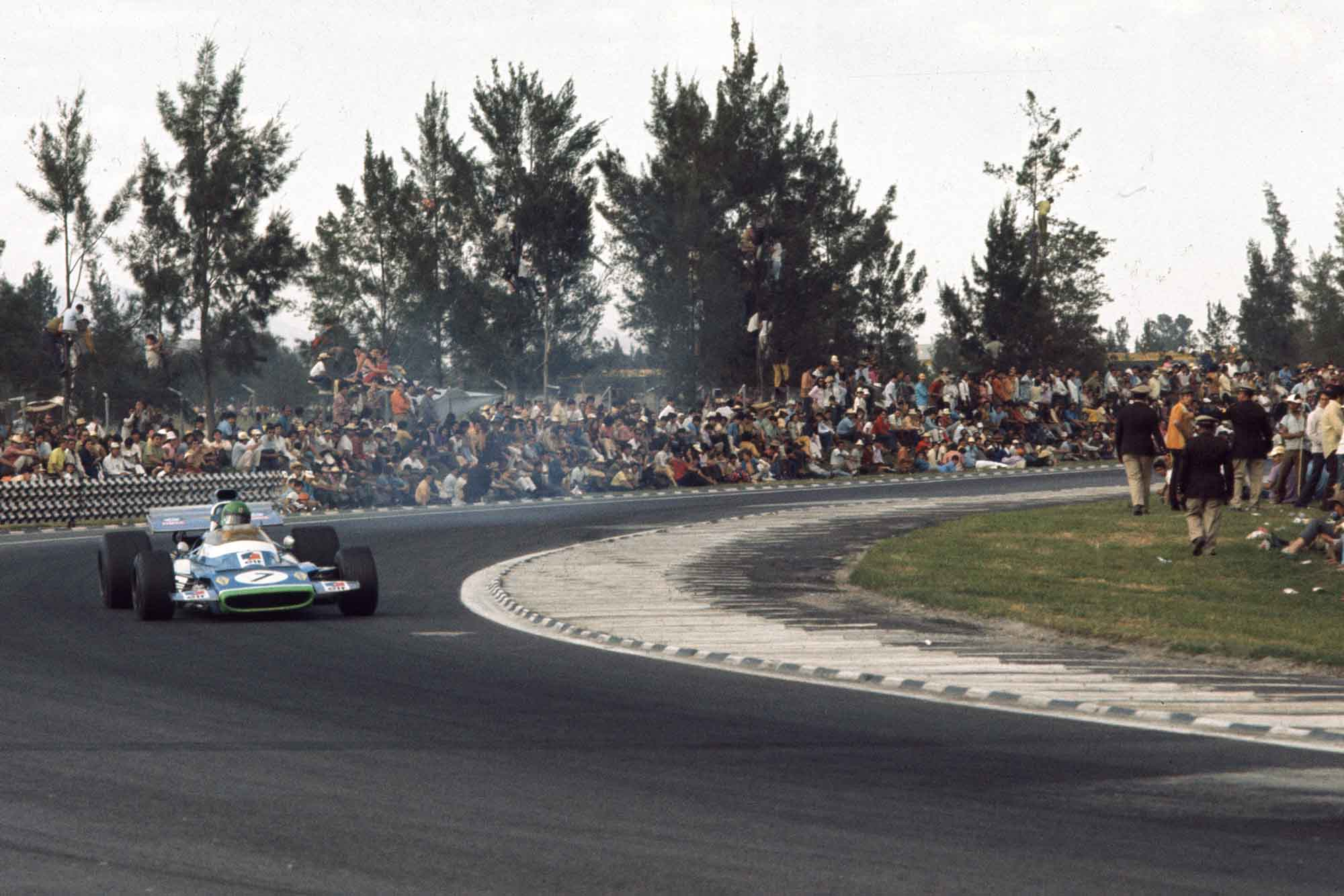 Henri Pescarolo, Matra MS120, 9th during the 1971 Mexican GP at Autodromo Hermanos Rodriguez