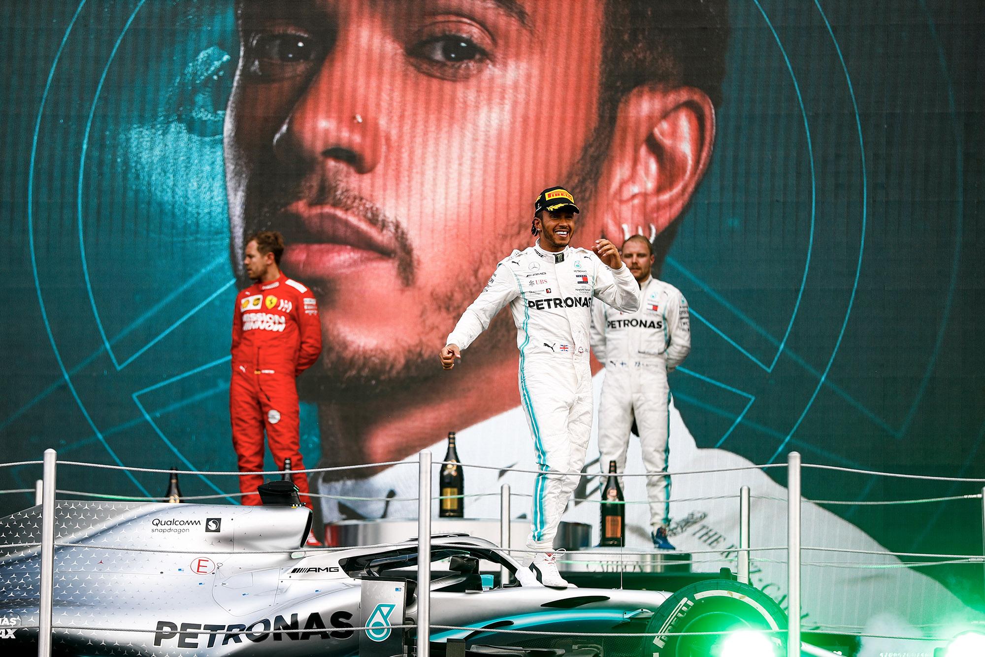 Hamilton tactics defeat Ferrari's 'peachy' position: 2019 F1 Mexican Grand Prix report