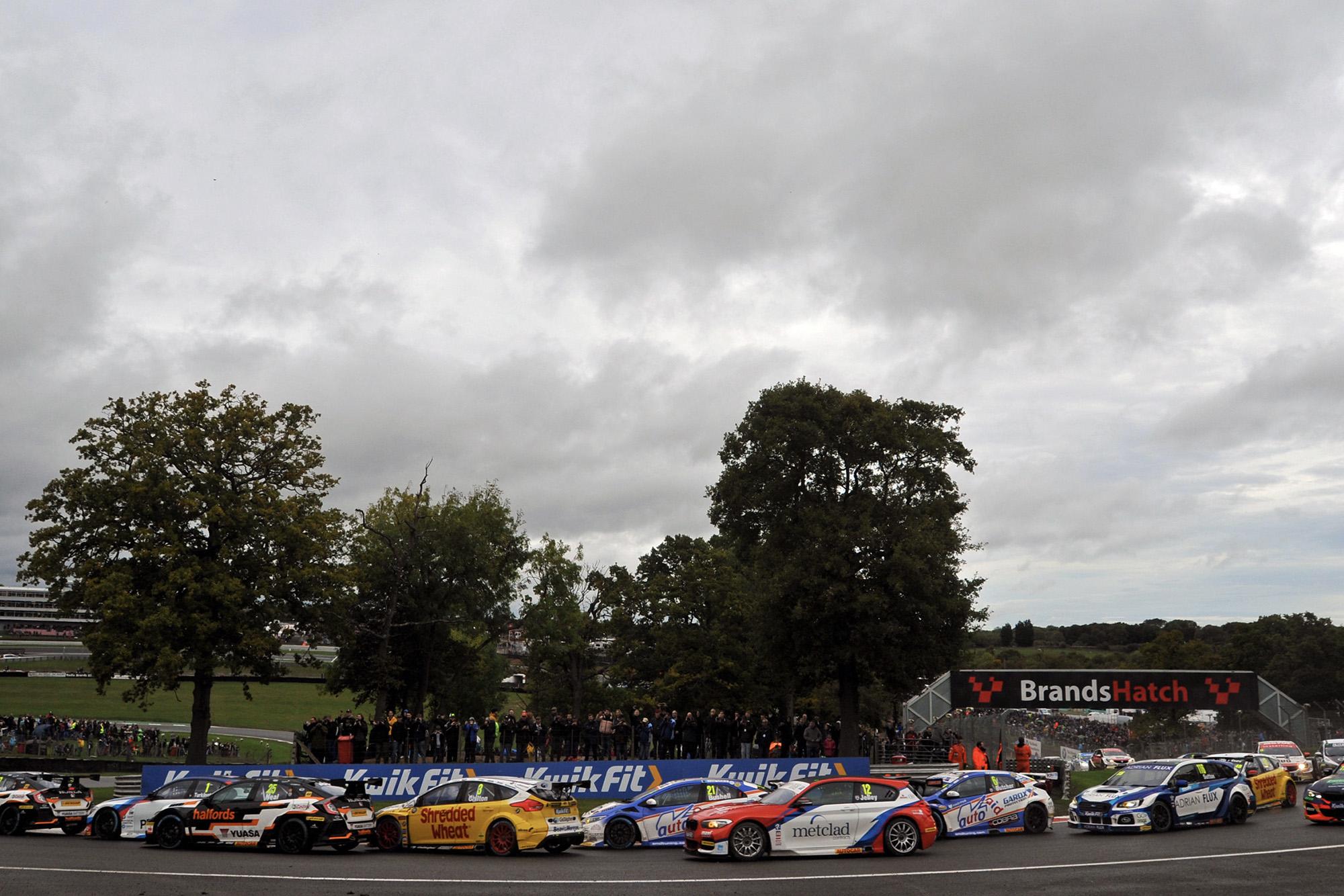 BTCC race start Brands Hatch October 13