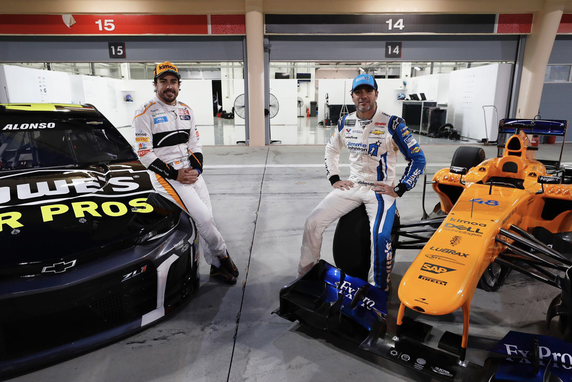 Jimmie Johnson and Fernando Alonso at the Bahrain car swap between McLaren and Hendrick Motorsports