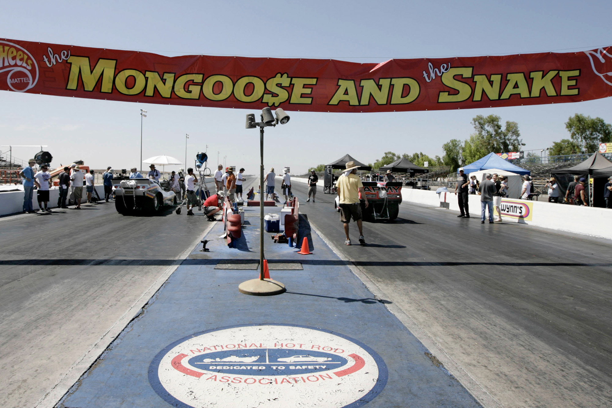 Filming of Snake and Mongoose, the film of the rivalry between drag racers Don Prudhomme and Tom McEwen
