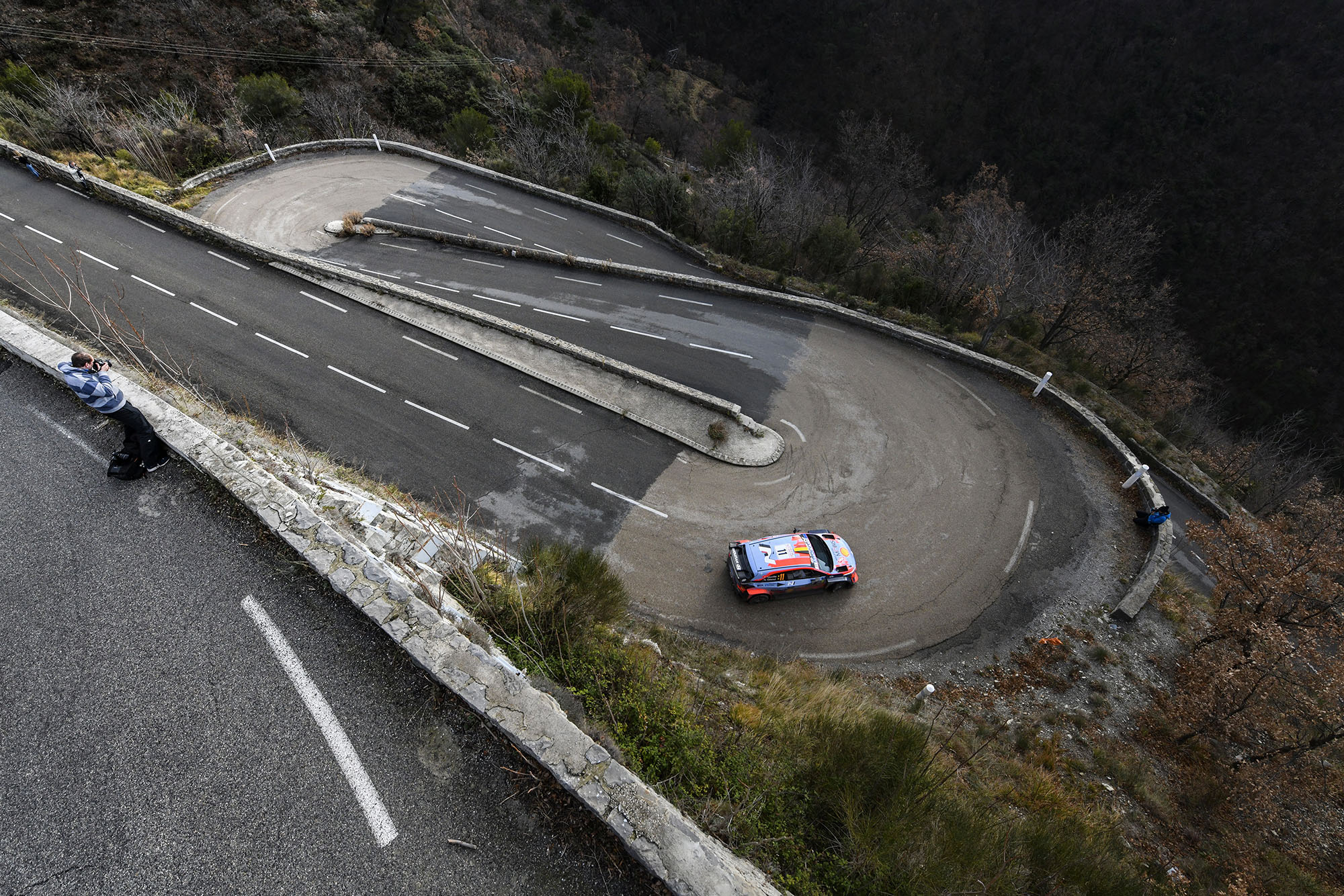 Thierry Neuville heading down a mountain on his way to victory in the 2020 Monte Carlo Rally