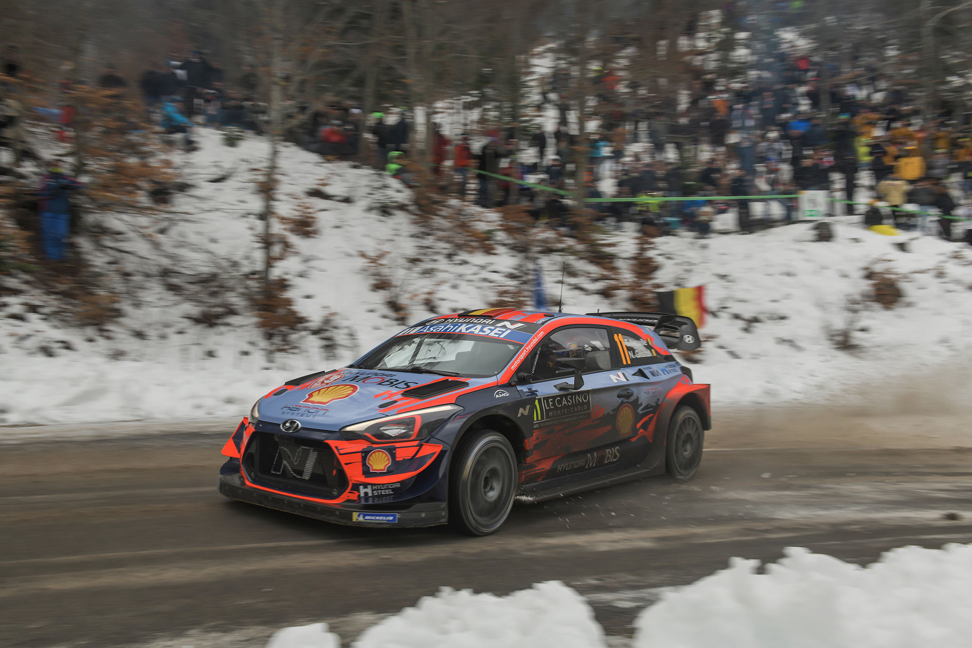 Thierry Neuville drives through the slush on Saturday of the 2020 Monte Carlo Rally