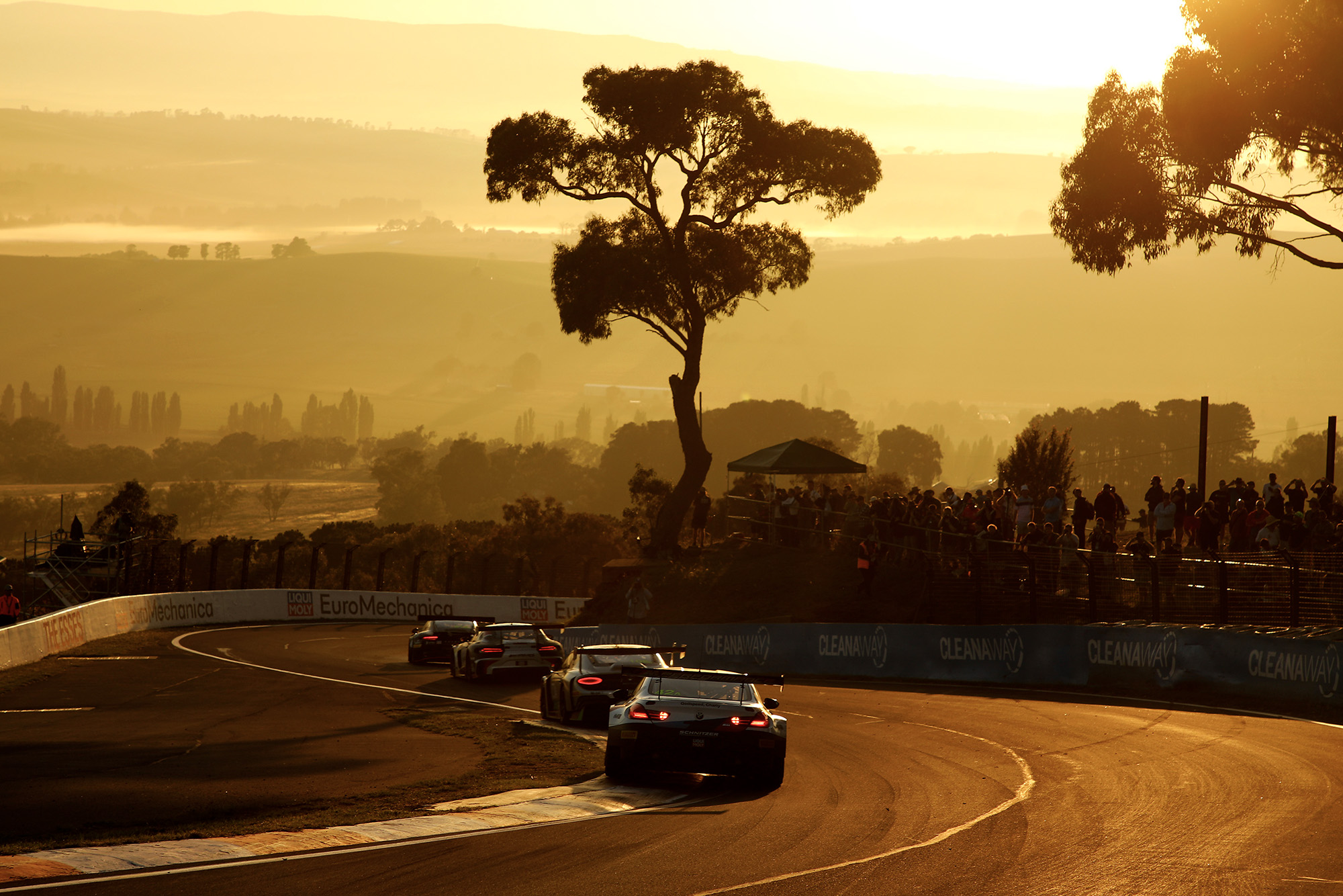 2019 Bathurst 12 hours low sun