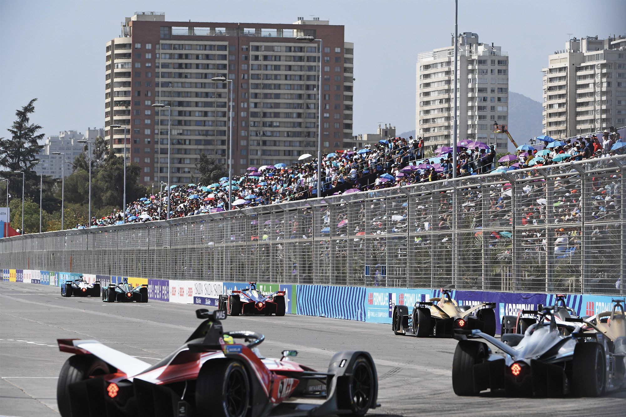 PARQUE O'HIGGINS CIRCUIT, CHILE - JANUARY 18: Maximilian Günther (DEU), BMW I Andretti Motorsports, BMW iFE.20 leads Mitch Evans (NZL), Panasonic Jaguar Racing, Jaguar I-Type 4 and Pascal Wehrlein (DEU), Mahindra Racing, M6Electro during the Santiago E-prix at Parque O'Higgins Circuit on January 18, 2020 in Parque O'Higgins Circuit, Chile.