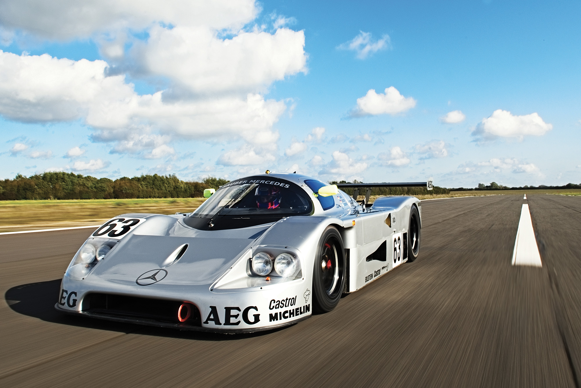Kenny Acheson driving the Sauber C9