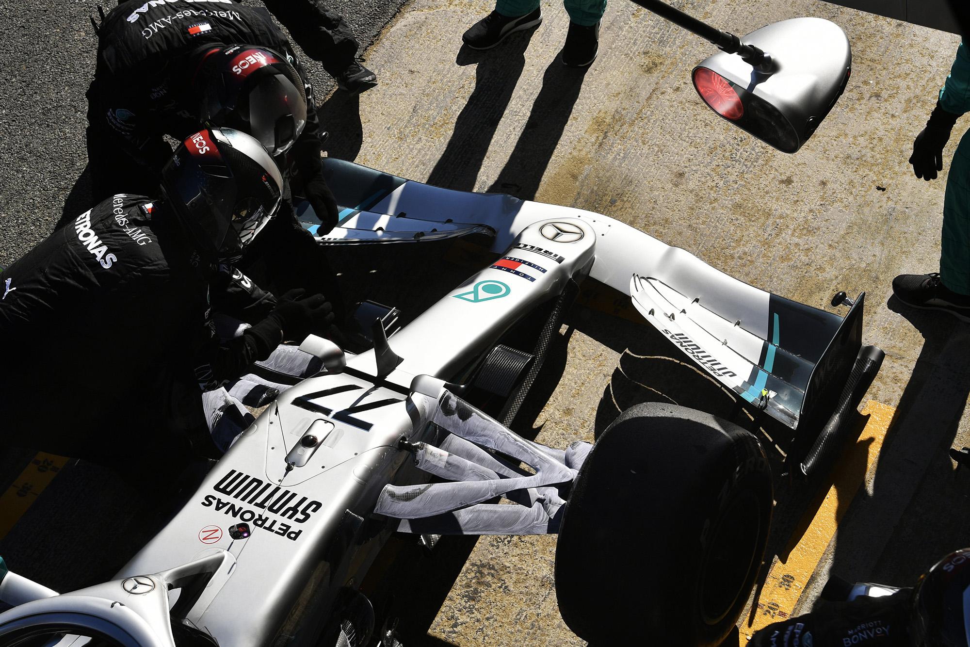 Mercedes pitstop during F1 2020 preseason testing
