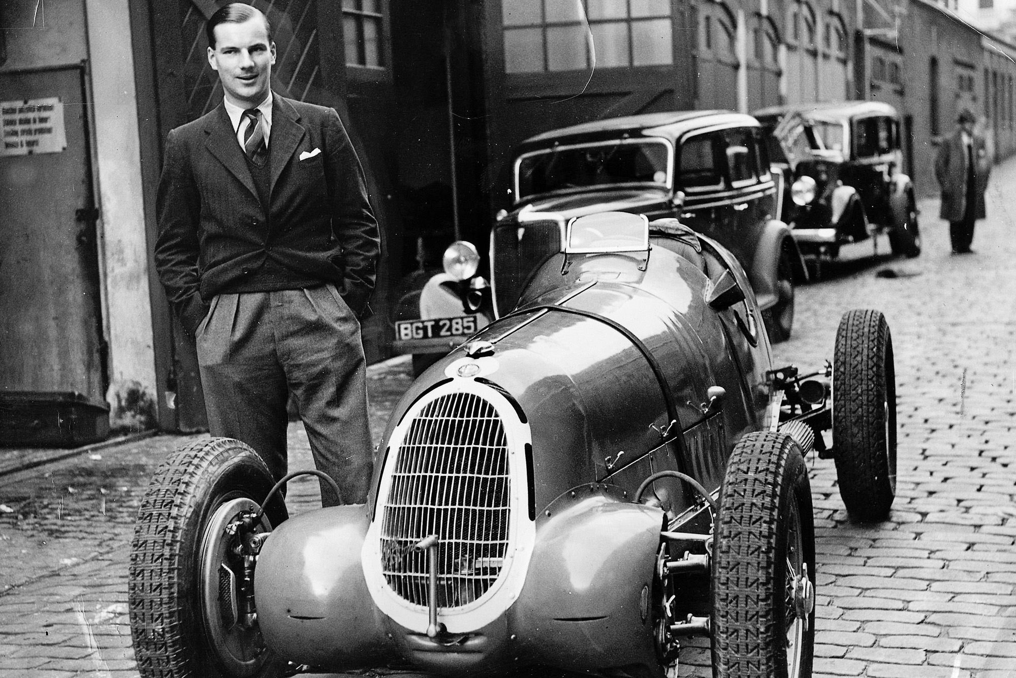 Dick Seaman with the winning Alfa Romeo Tipo-C 8C-35