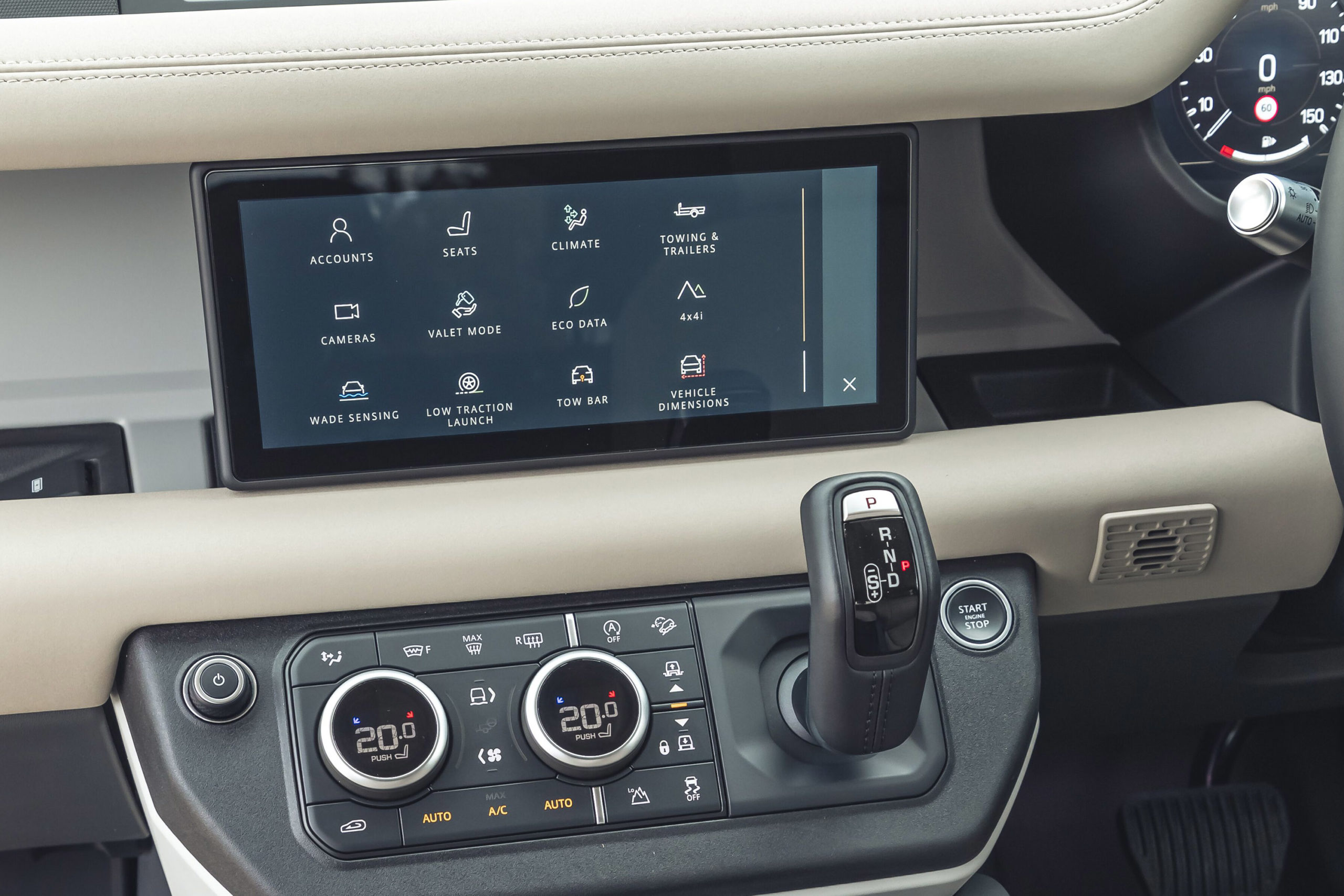 2020-Land-Rover-Defender-infotainment