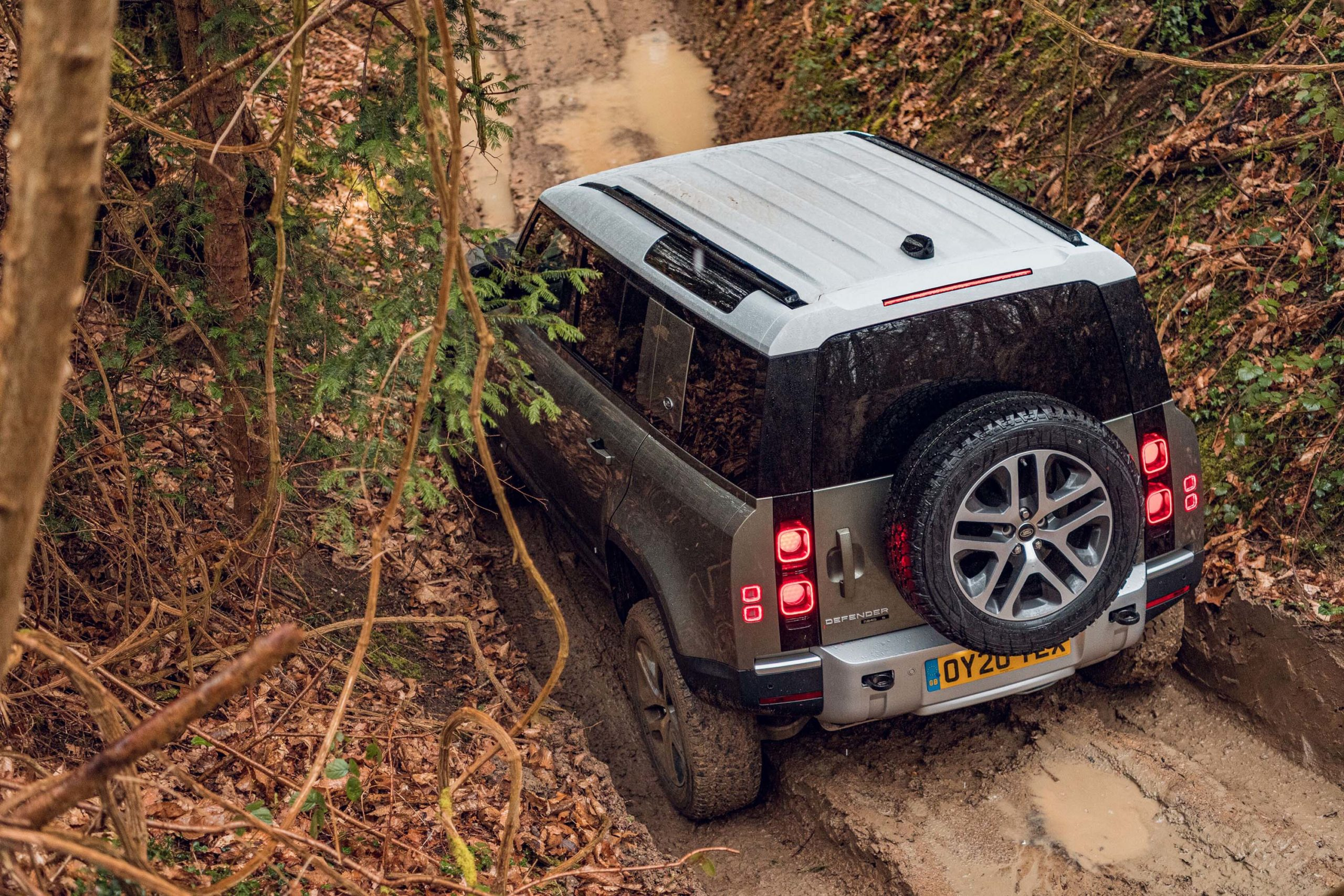 2020-LAnd-Rover-Defender-off-road-rear