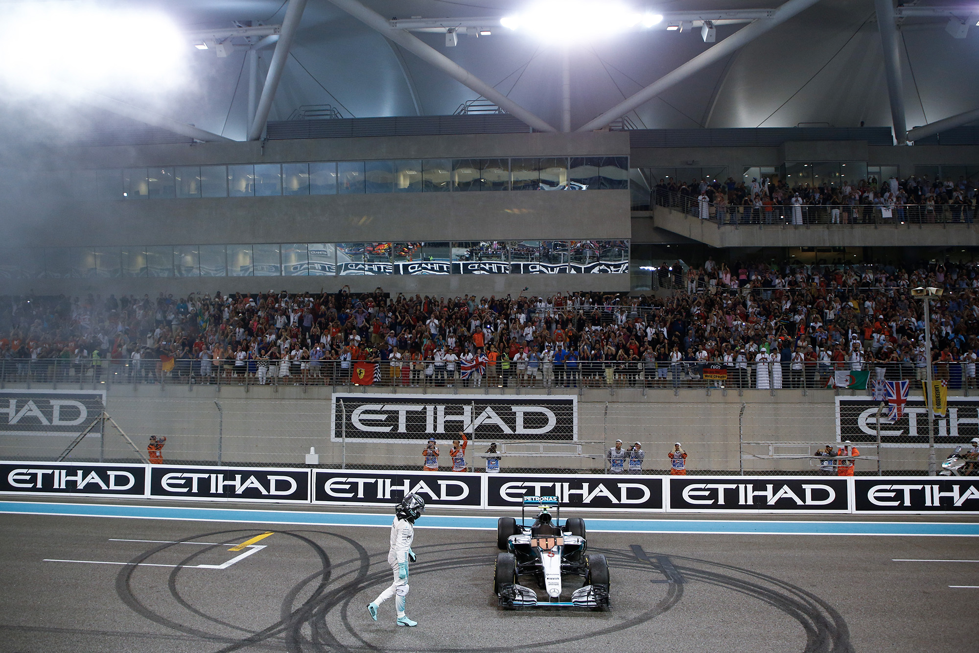 Nico Rosberg celebrates winning the 2016 F1 championship at the Abu Dhabi Grand Prix
